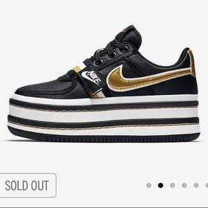 quality design 837ba abb87 Nike Shoes - RARE NIKE • NIKE VANDAL 2K • 7.5 • Brand New